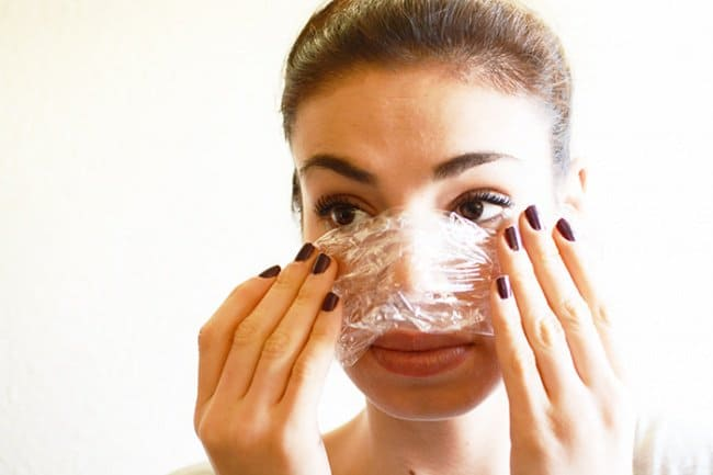 Unexpected Uses For Plastic Food Wrap beauty treatments