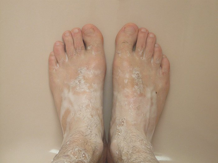 bad shower habits washing feet