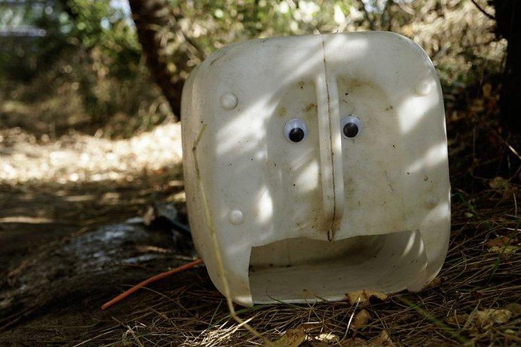 googly eyes on broken things cartoon