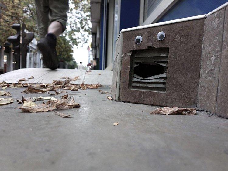 googly eyes on broken things vent
