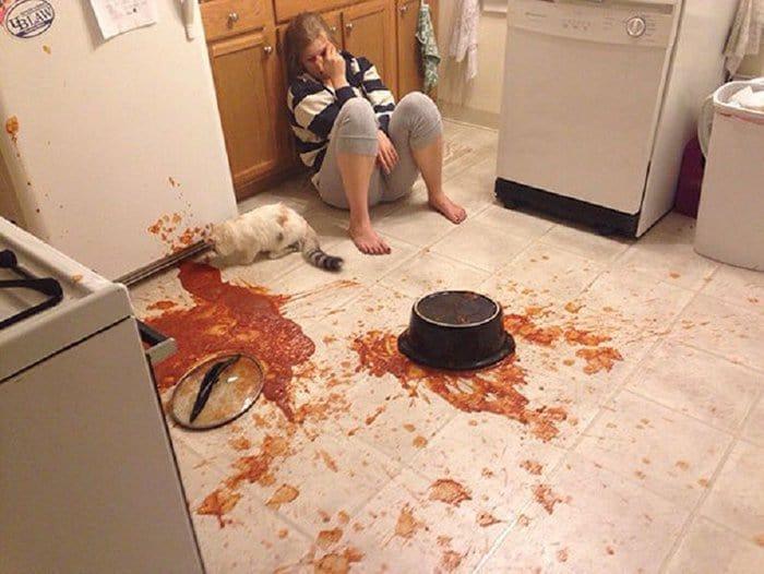 hilarious kitchen fails dropped pot of sauce