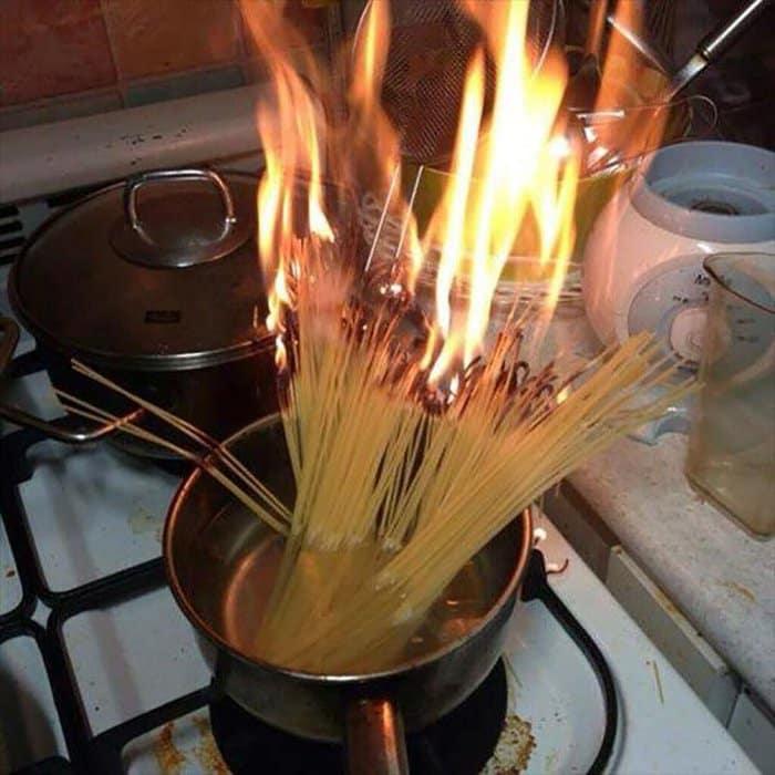 hilarious kitchen fails spaghetti on fire