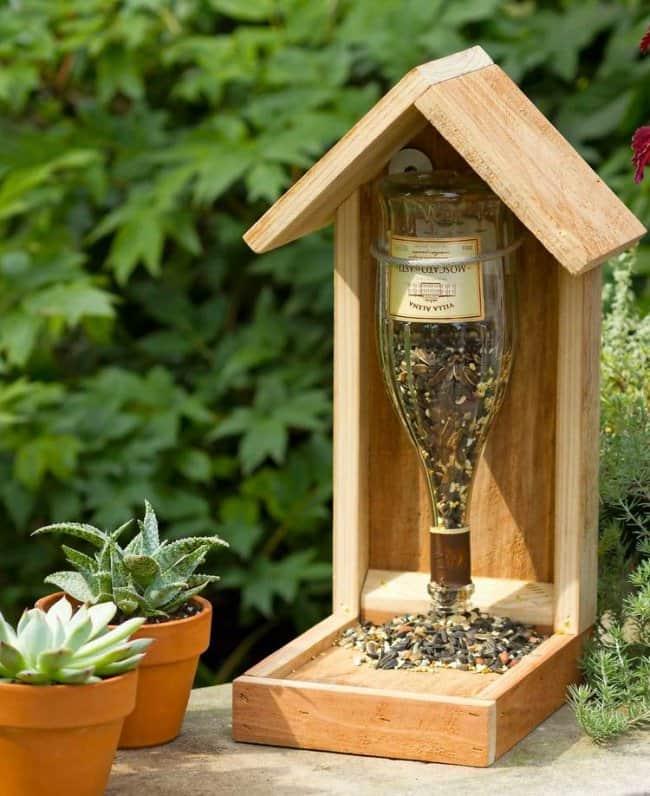 Bottle Project Ideas bird feeder