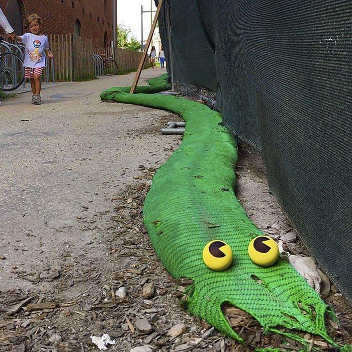 Genius Street Artist serpent