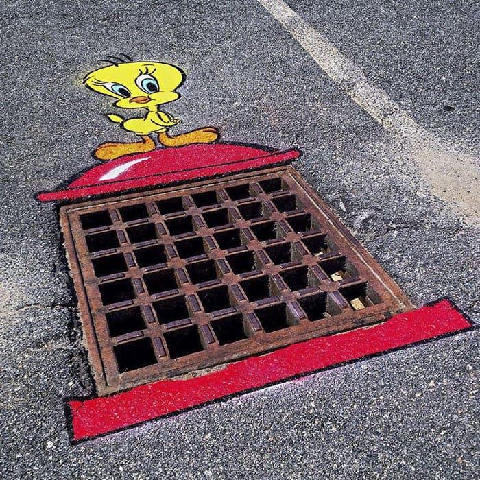 Genius Street Artist tweety pie