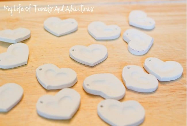 Hand Made Things You Can Create With Your Kids fingerprint pendants