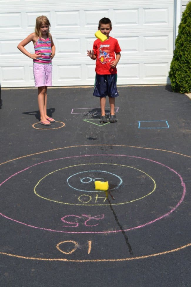 How To Keep Kids Entertained chalk bullyseye