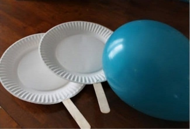 How To Keep Kids Entertained tennis paper plates and balloons