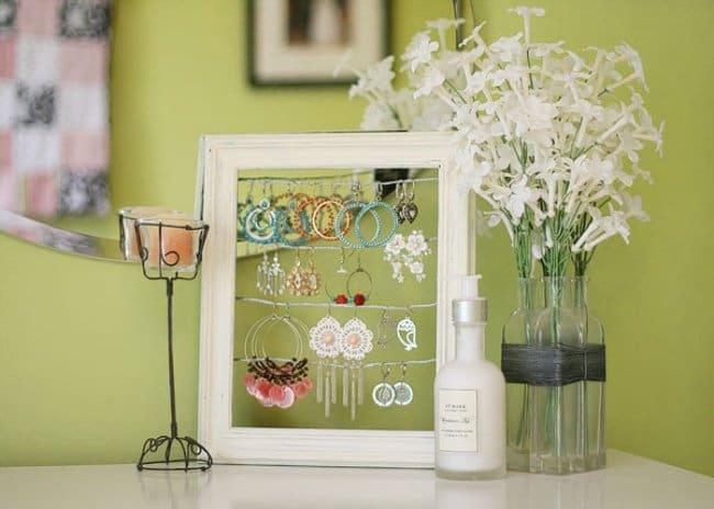 Ideas For Where To Store Things frame earring holder