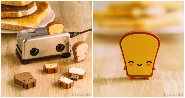 Little Things For Your Workplace mini toaster usb