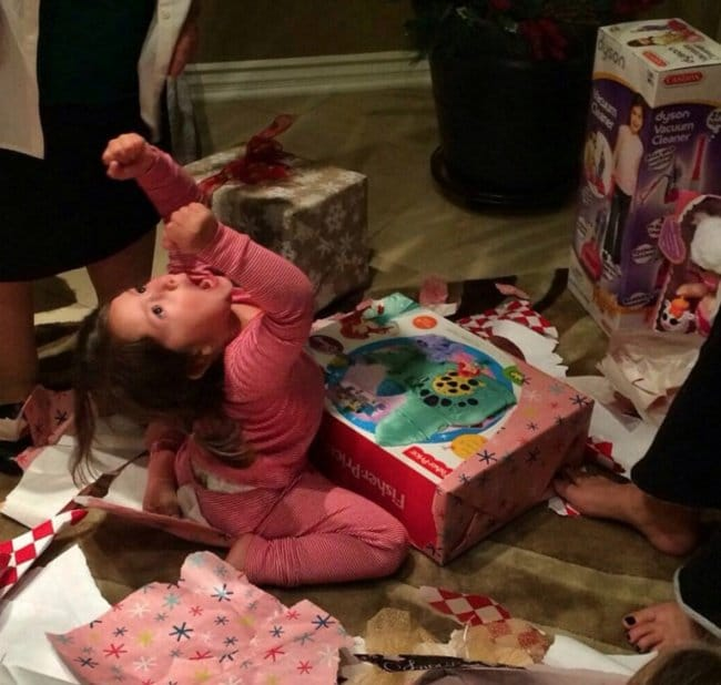 Pictures That Will Make Your Day Better girl loves her present