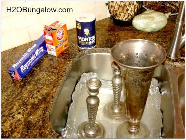 Aluminum Foil Life Hacks clean silverware