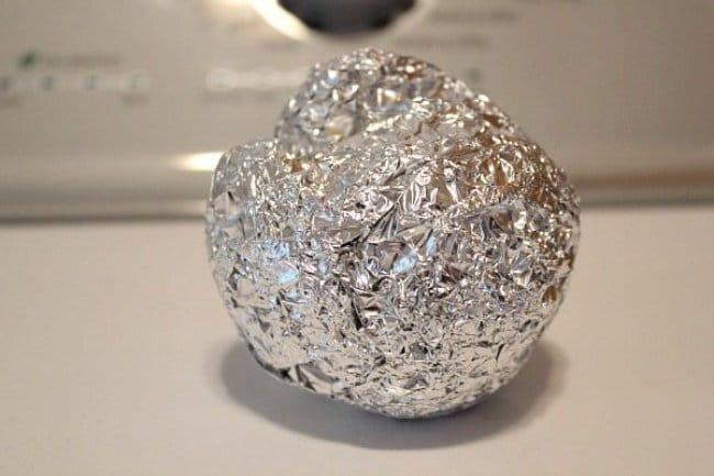 Aluminum Foil Life Hacks remove static electricity