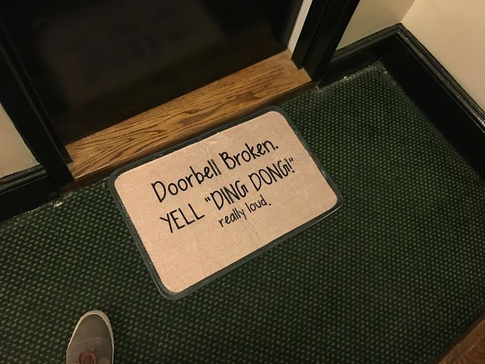 Creative And Hilarious Doormats doorbell broken yell ding dong