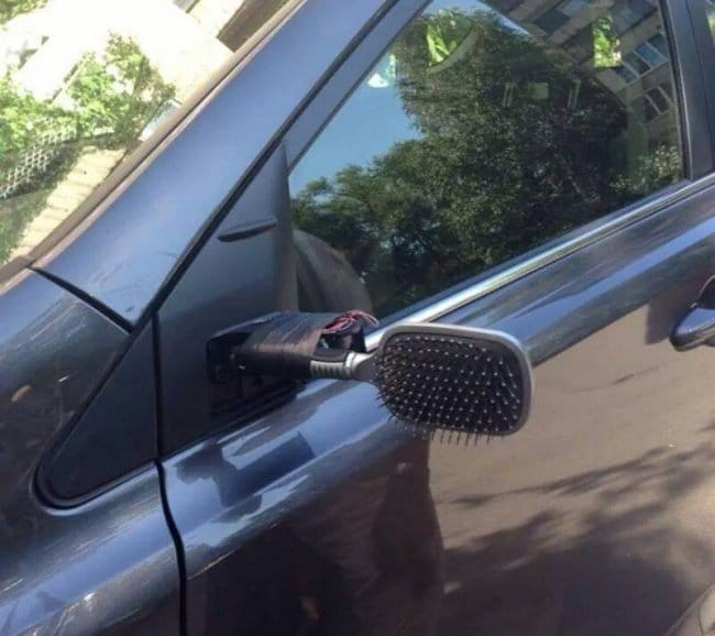 Genius Life Hacks hairbrush wing mirror
