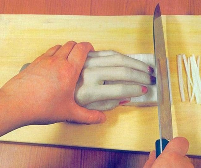 Ingeniously Weird Gadgets hand for chopping