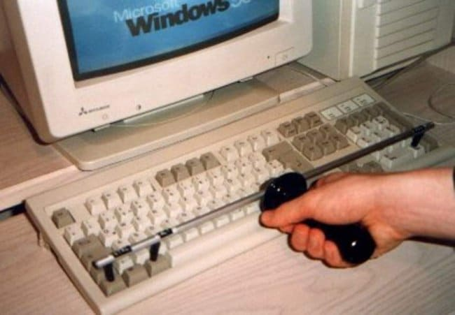 Ingeniously Weird Gadgets one click ctrl alt delete tool