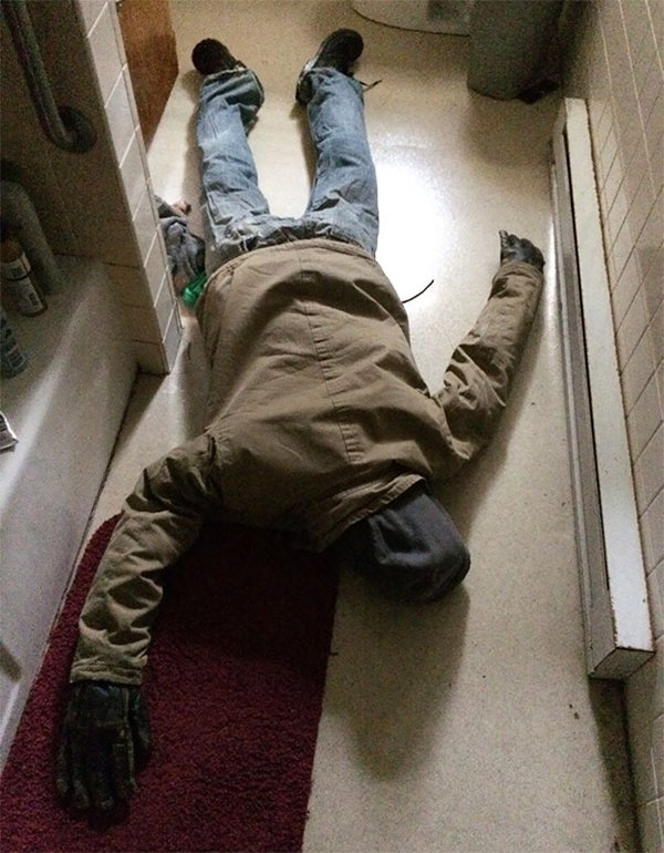 Times Living With Roommates Was The Worst body on floor prank