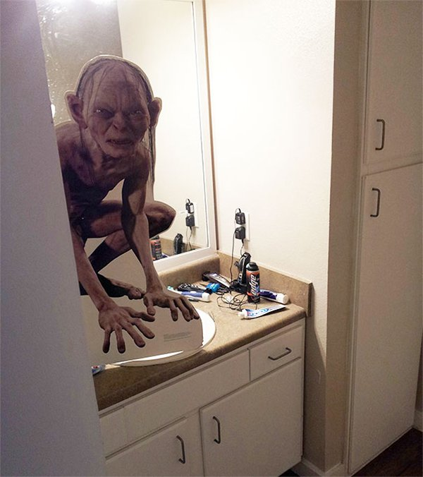 Times Living With Roommates Was The Worst gollum cut out
