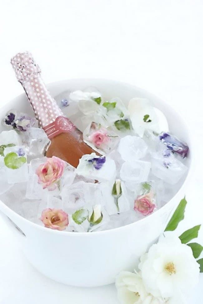 Ways To Use Ice Cube Tray frozen flowers