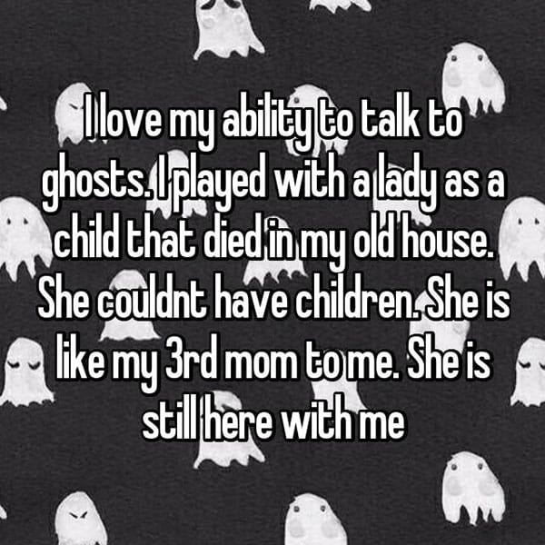 occasions where people communicated with ghosts third mom