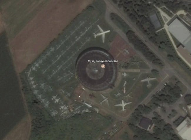 Interesting Things That Were Found On Google Maps aircraft collection