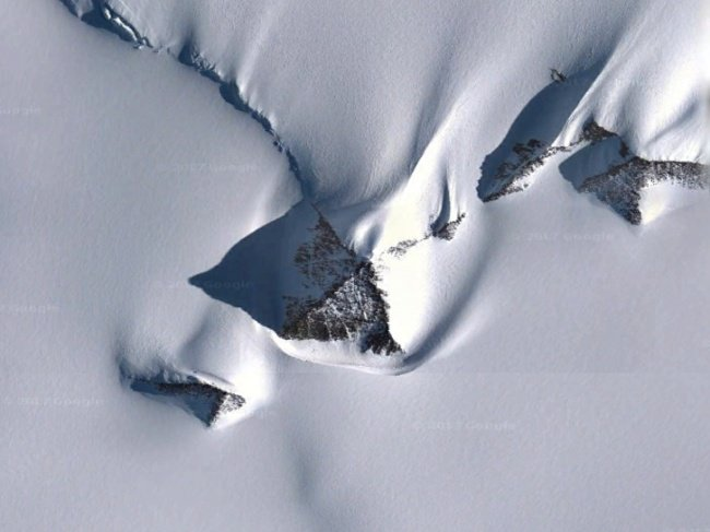 Interesting Things That Were Found On Google Maps pyramid antartica