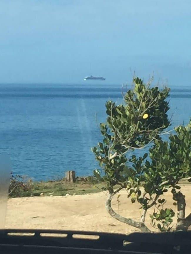 Misleading Photos floating boat