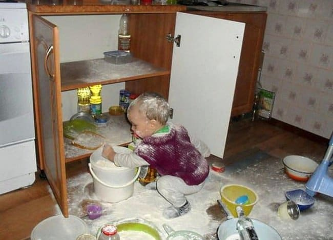 Reasons That Kids Should Never Be Left Alone kitchen mess