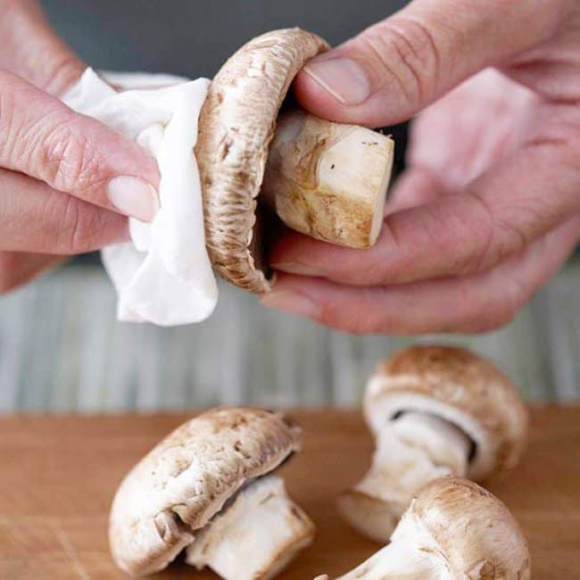 Simple Things That Many Of Us Are Doing Wrong cleaning mushrooms