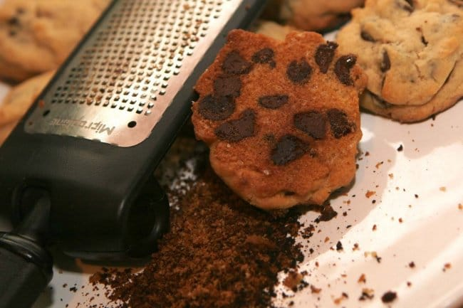 Simple Things That Many Of Us Are Doing Wrong save burned cookies