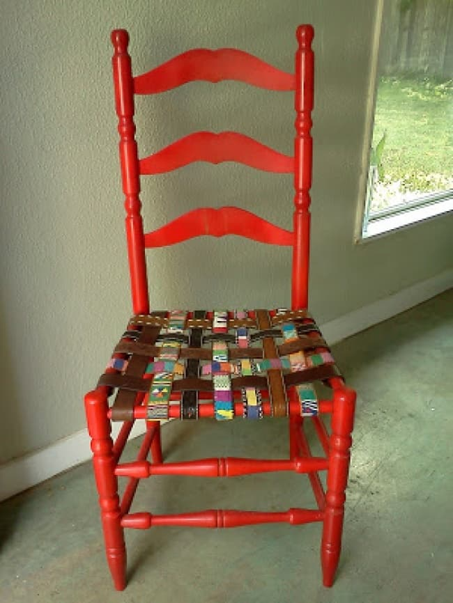 Unexpected Uses For Everyday Items belt chair
