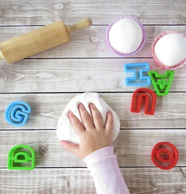 Ways To Keep Your Kids Entertained edible playdough