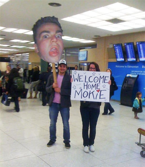 Airport Pick Up Signs welcome home