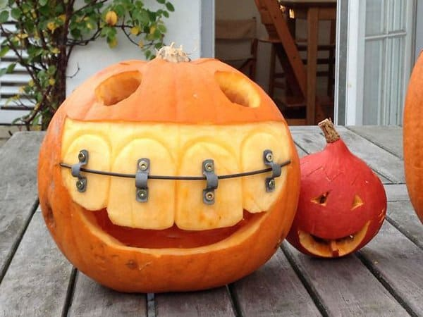 Dentists With An Awesome Sense Of Humor pumpkin with braces