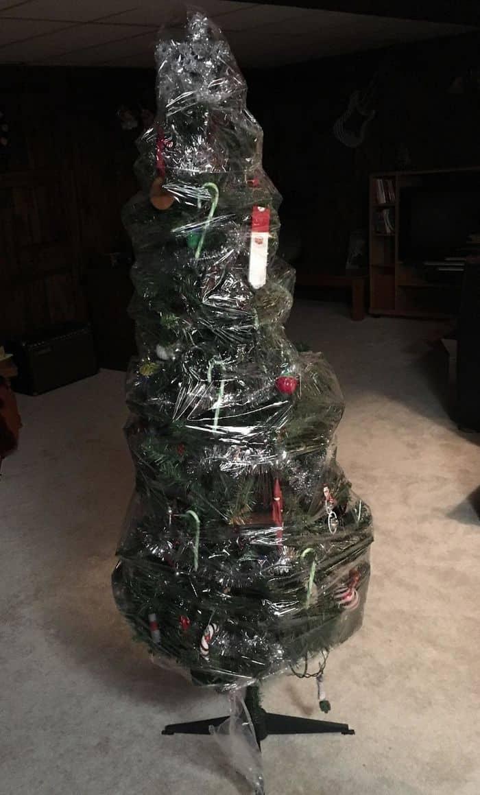 Genius Life Hacks wrap christmas tree