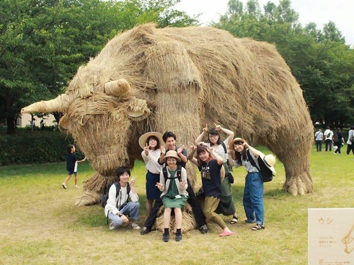 Giant Straw Animals bovine