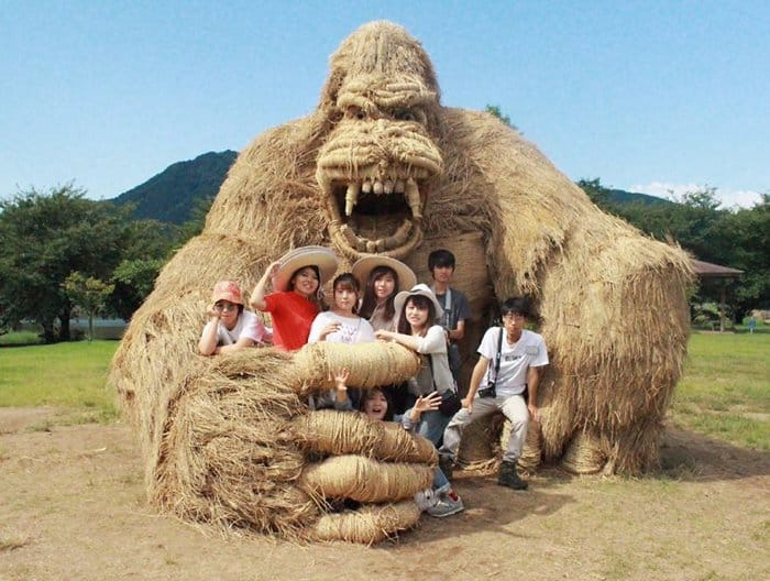 Giant Straw Animals posing with gorilla