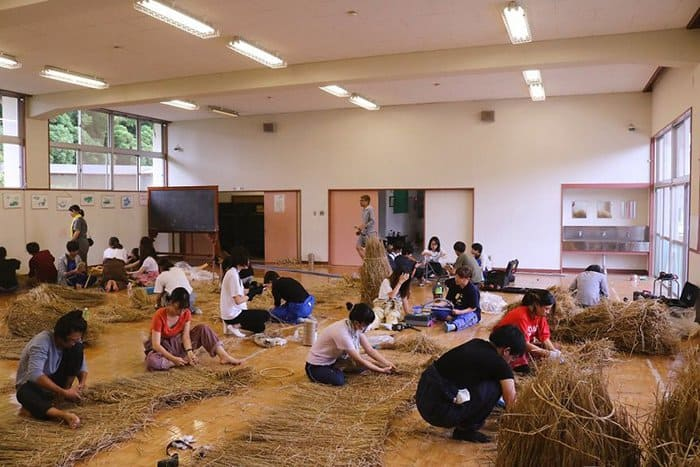 Giant Straw Animals straw work