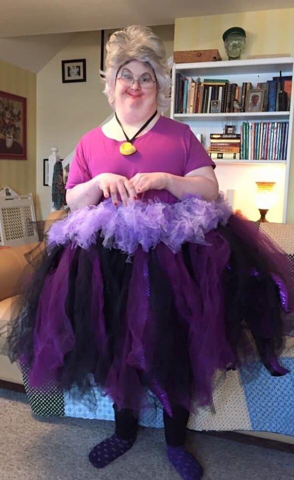 Hilarious Uncles ursula costume
