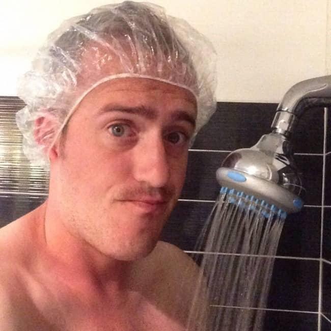 Amusing Photos Tall People shower