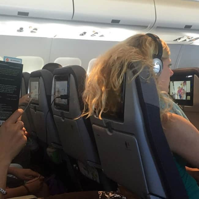 Crazy Things Spotted On Flights hair on tv