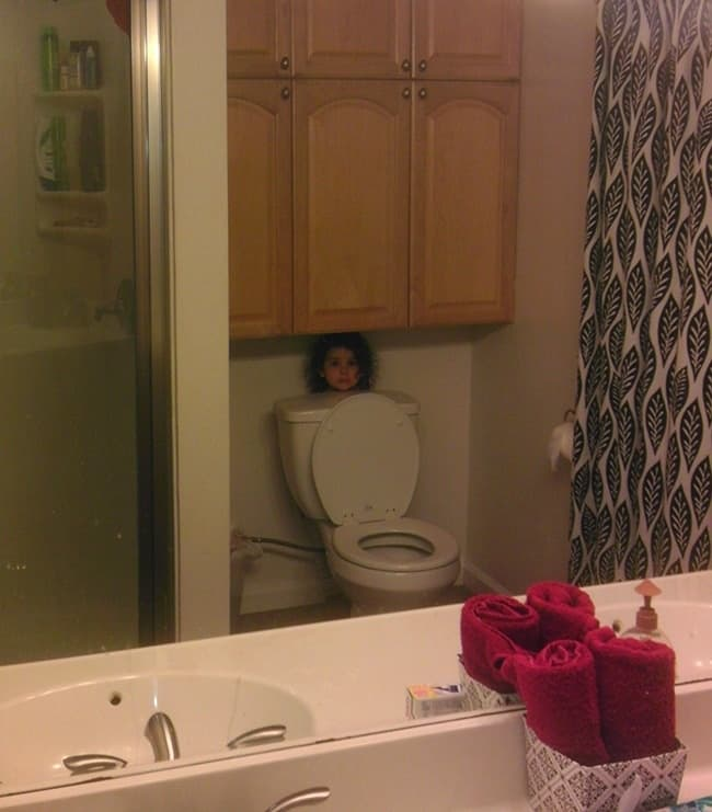 Kids Being Strange hide and seek behind toilet