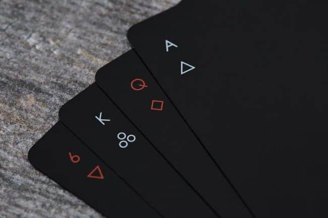 Impressive Inventions minimalist playing cards