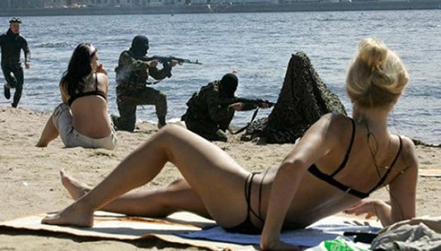 military-men-at-the-beach