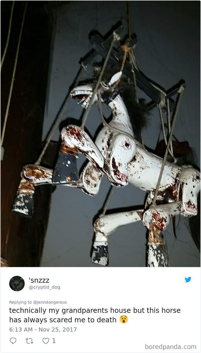 scary-hanging-horse