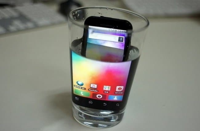 Advice From The Internet Fails phone in water