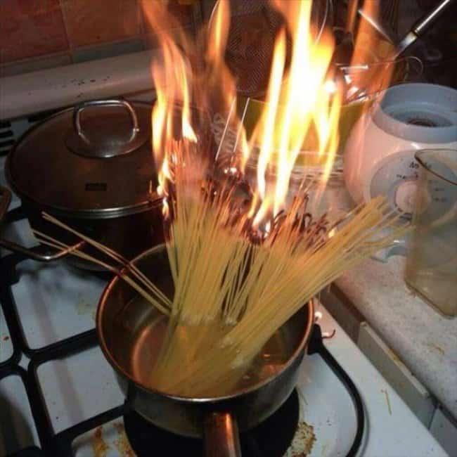 Kitchen Fails spaghetti on fire