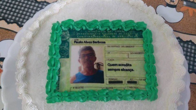 People Fantastic Sense Of Humor driving license cake