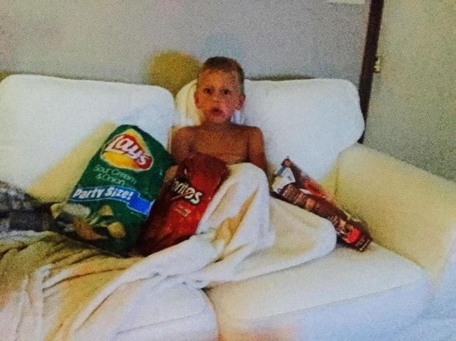 kid-watching-cartoons